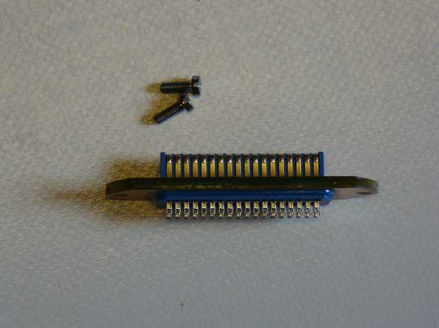 Centronic Stecker 02.jpg